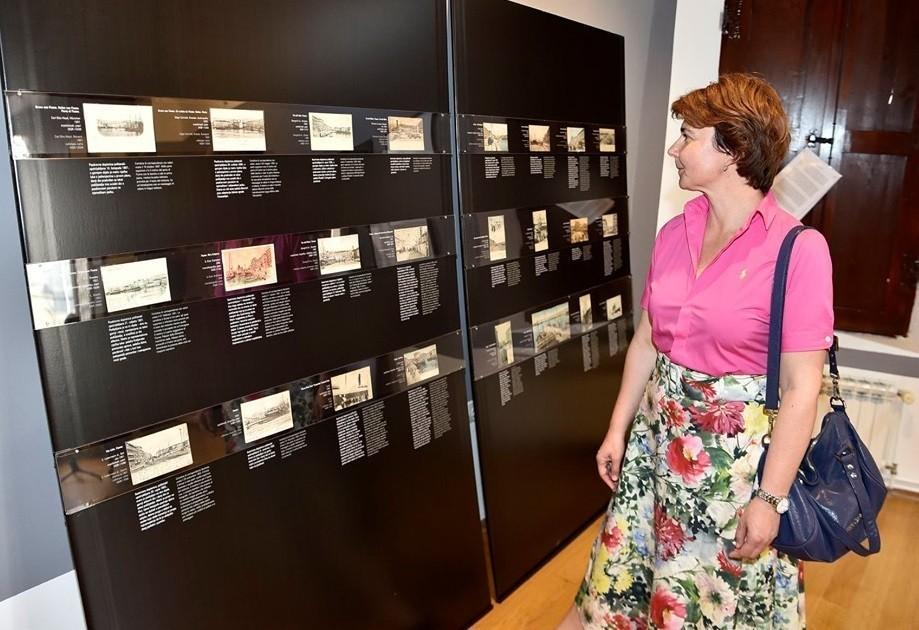Otvorena izložba riječkih razglednica u Creskom muzeju