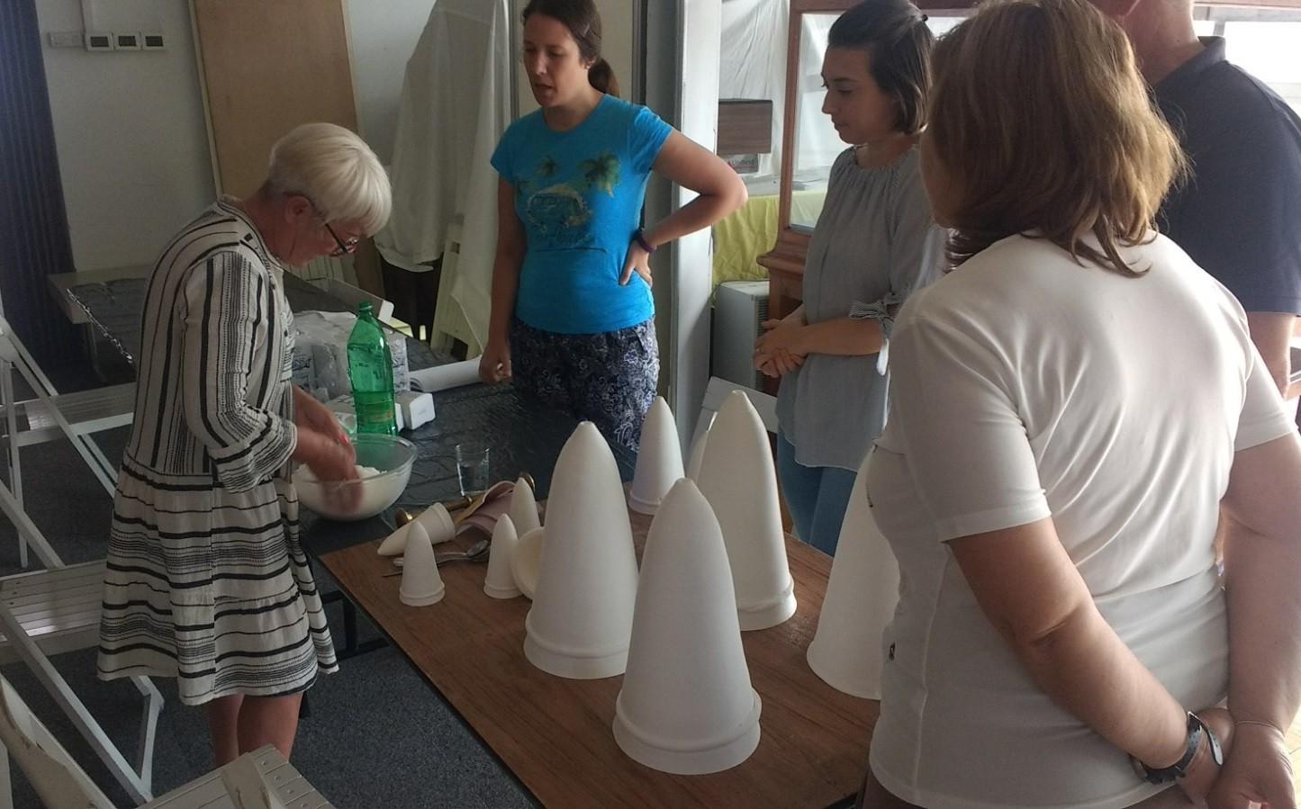 Izrada šećernih zvona za muzejski postav u palači