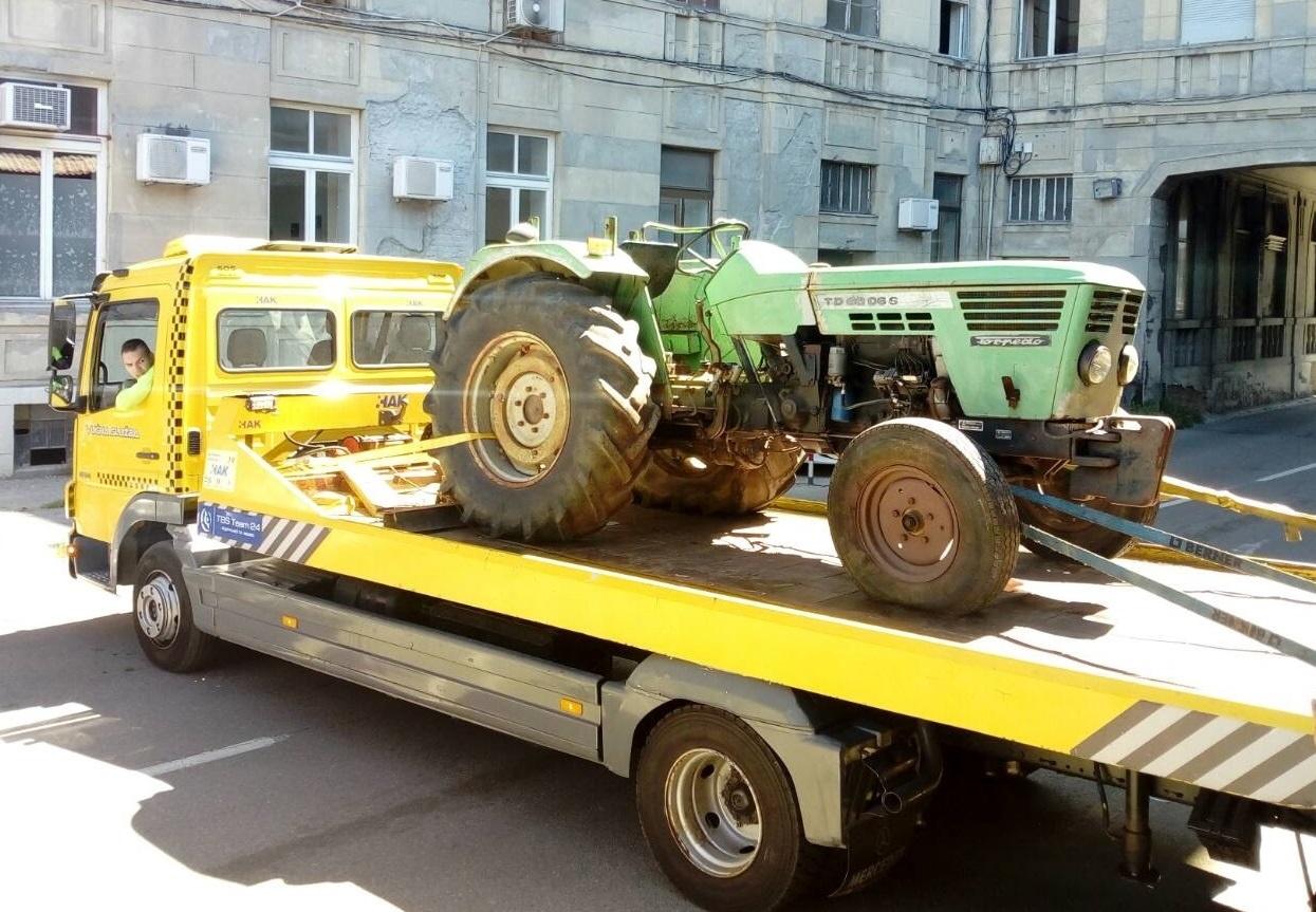 Traktor Tvornice Torpedo u muzejskoj zbirci